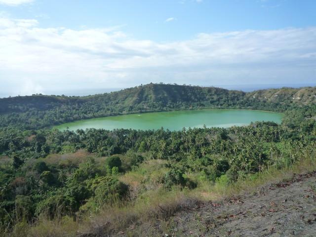 Ceci est le photo du lac dziani à mayotte sur petite terre