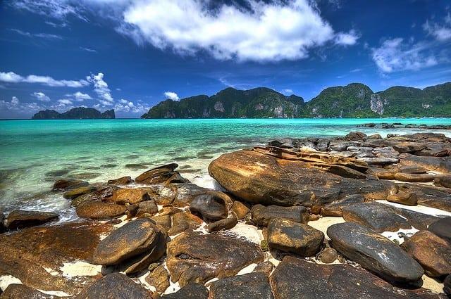 plage a koh phi phi en thailande
