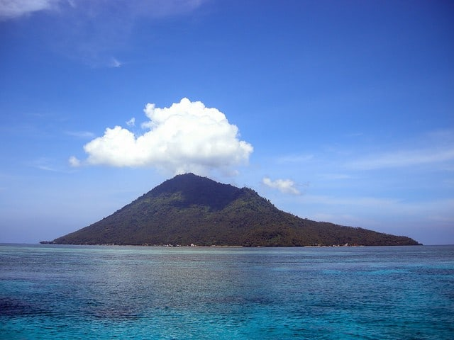 île isolée de Bunaken, Manado (Sulawesi, Indonésie)