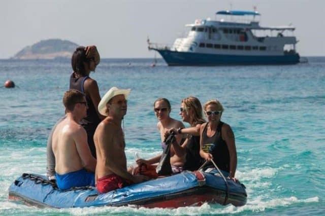 bateau croisiere plongee sous marine similan thailande