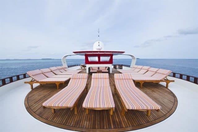 pont soleil croisiere plongee theia maldives